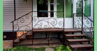Крыльцо из металла в собственном доме